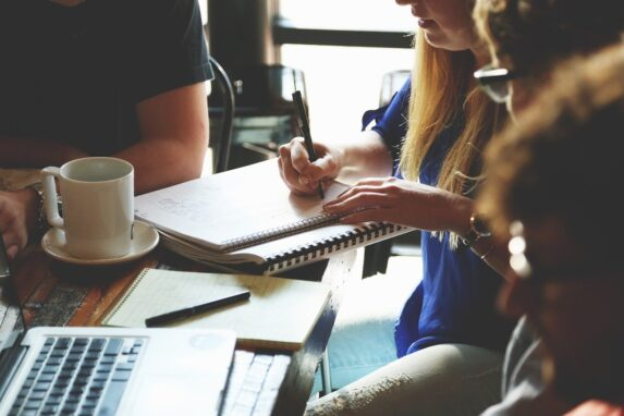 Groot en klein kantoormateriaal in webshops